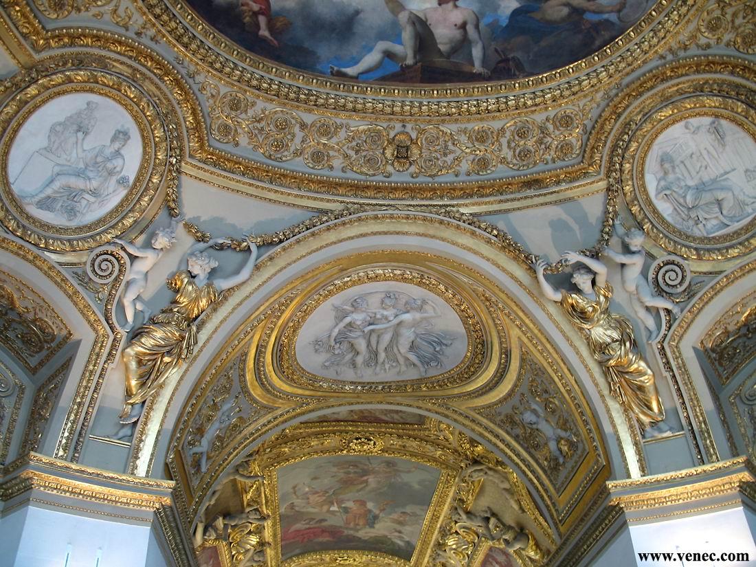 Париж лувр интерьеры
